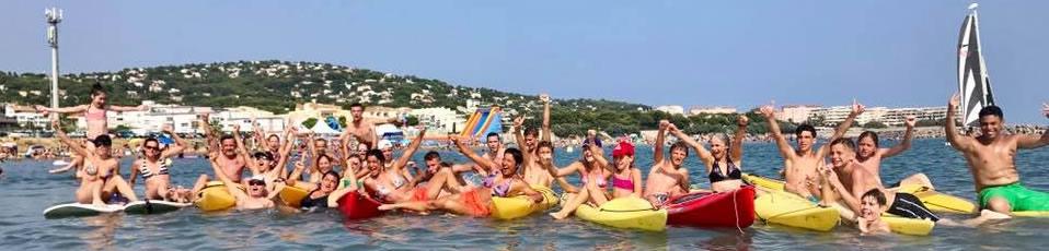 tous les stagiaires en canoe
