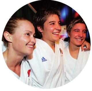 les 3 championnes sourient